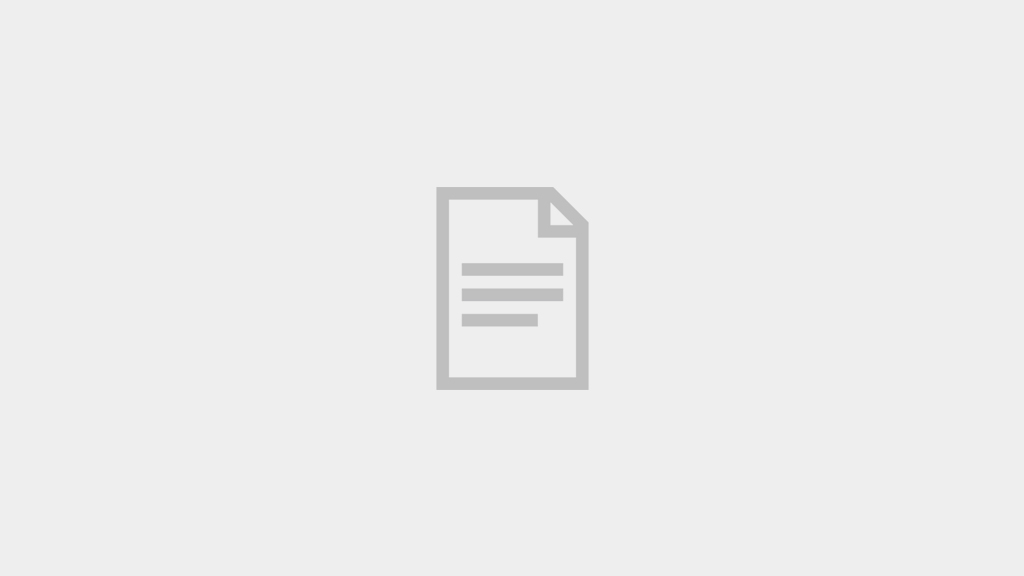 84ce0f570 Justin Bieber gets himself a tiny face tattoo above his eyebrow